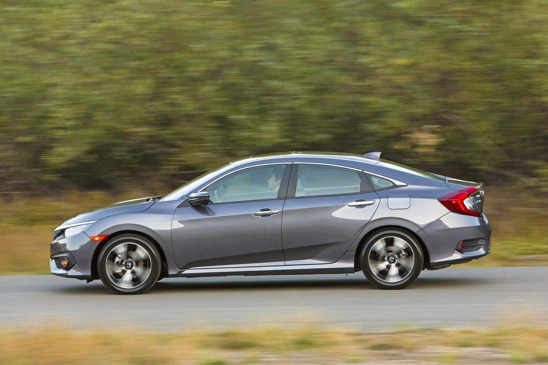AutoWeb-2015-October-First-Drive-2016-Honda-Civic-Sedan-005